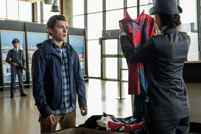 Spiderman. Dalek od domu cały film