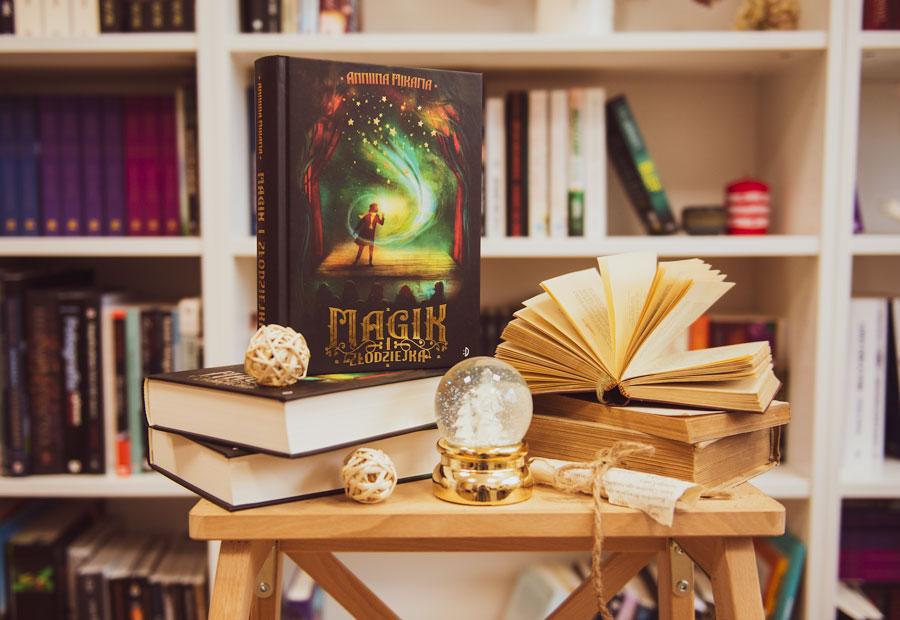 Magik i złodziejka książka