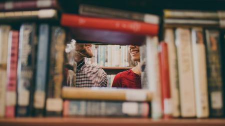 News - Miłość, która pokonała chorobę. Mężczyzna napisał książkę dla cierpiącej na amnezję żony