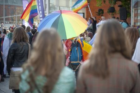 News - Nicholas Sparks homofobem? Popularny pisarz przeprasza