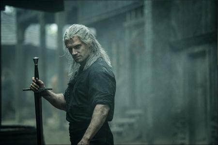 News - Jak wypada w walce serialowy wiedźmin Geralt? Fragment serialu Wiedźmin od Netflixa!