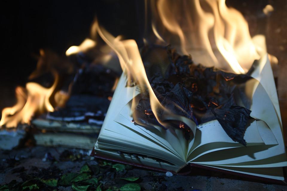 Palenie książek