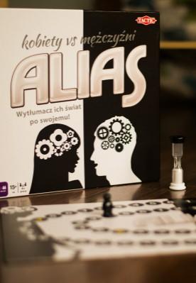 """Publicystyka - Recenzja gry """"Alias. Kobiety vs mężczyźni"""