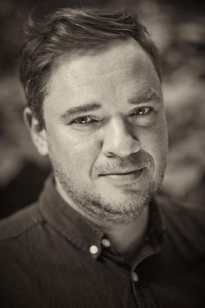 Publicystyka - Czytanie jest dla chuliganów! Wywiad z Grzegorzem Kasdepke