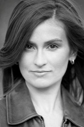 Publicystyka - Wol� wci�gaj�c� powie�� ni� rewolucyjn� nud�! - rozmowa z Magdalen� Miecznick�