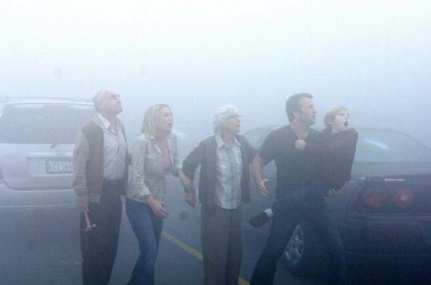 Publicystyka - Śmierć w małym miasteczku. Recenzja filmu Mgła