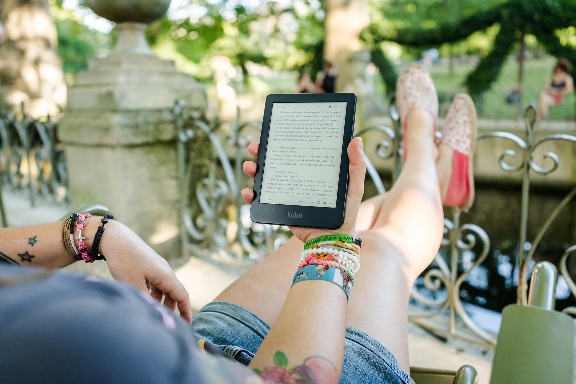 Publicystyka - Wolimy czytać e-booki na Kindle? Wyniki badania Granice.pl