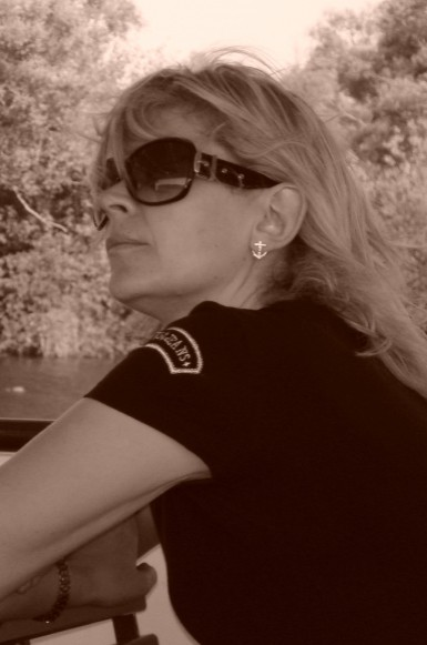 Publicystyka - Szukam szczęścia w nieszczęściu. Wywiad z Izabelą Pietrzyk