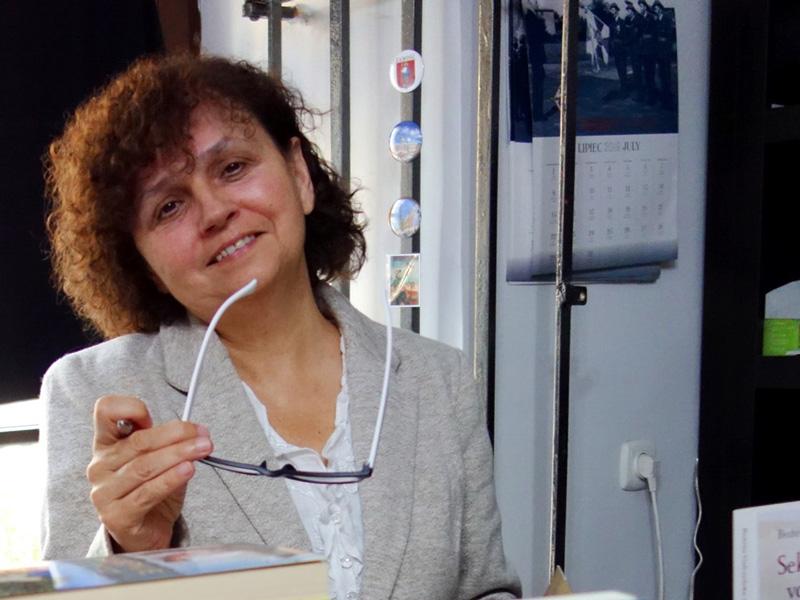 Publicystyka - Musimy wspólnie zawalczyć o nową, lepszą historię. Wywiad z Bożeną Gałczyńską-Szurek
