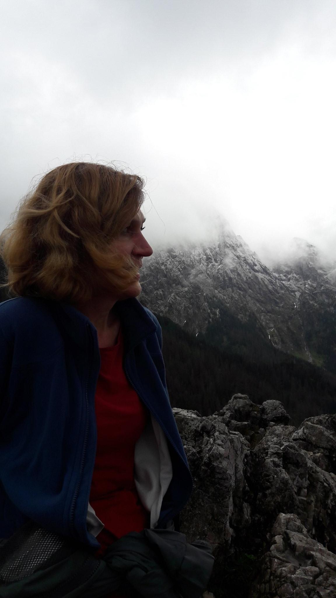 Publicystyka - Lubię stawiać bohaterów w sytuacjach granicznych. Wywiad z Magdaleną Zimniak