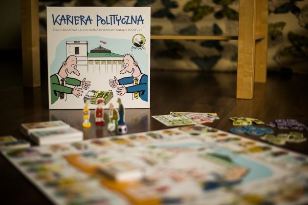 """Okładka publicystyki - Recenzja gry planszowej """"Kariera Polityczna"""