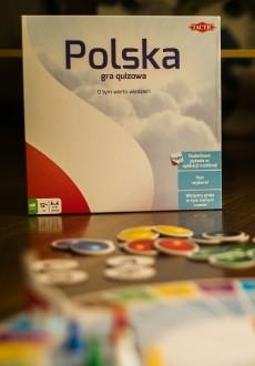 """Okładka - Recenzja gry """"Polska"""". Co Ty wiesz o własnym kraju?"""