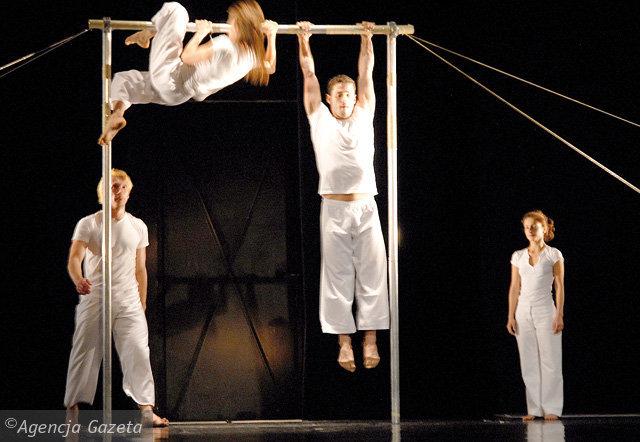 Publicystyka - Czy teatr tańca jest monotonny? XIV Międzynarodowa Konferencja Tańca Współczesnego i Festiwal Sztuki Tanecznej w Bytomiu:  7-12 dzień