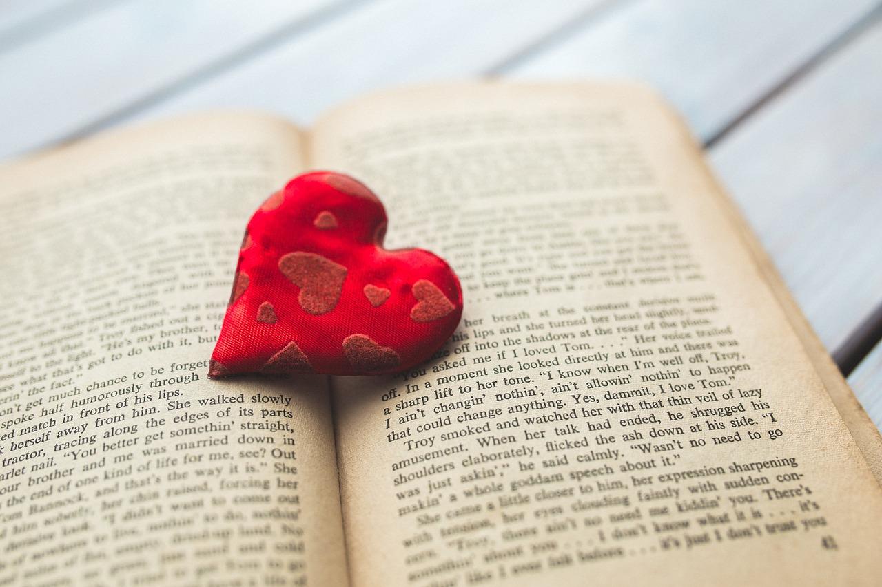 Publicystyka - 10 książek o miłości na Walentynki