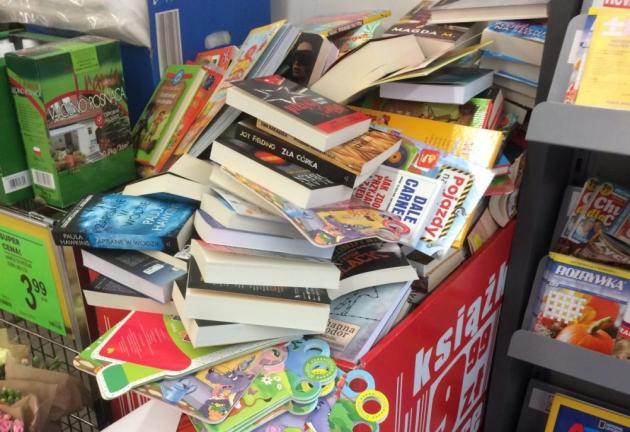 Okładka publicystyki dla Książki do kosza? O sprzedaży książek w marketach z kategorii Brak kategorii